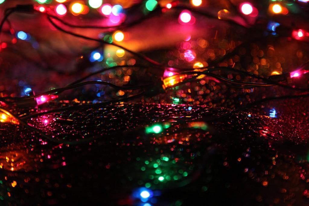 Christmas_lights_rain-1024x683