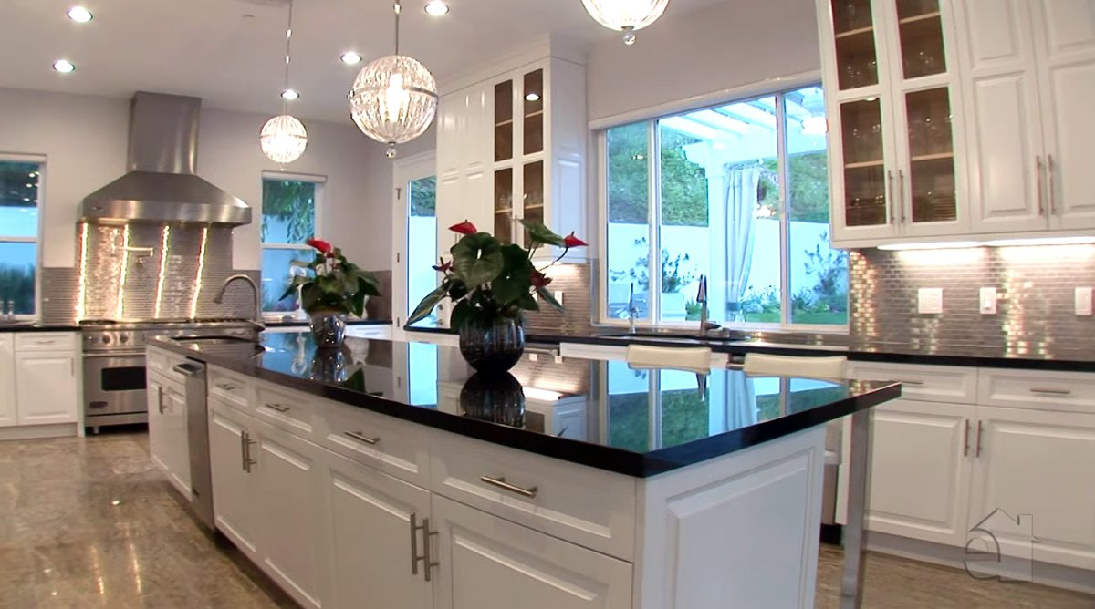 the-entire-kitchen-is-lined-with-granite-countertops