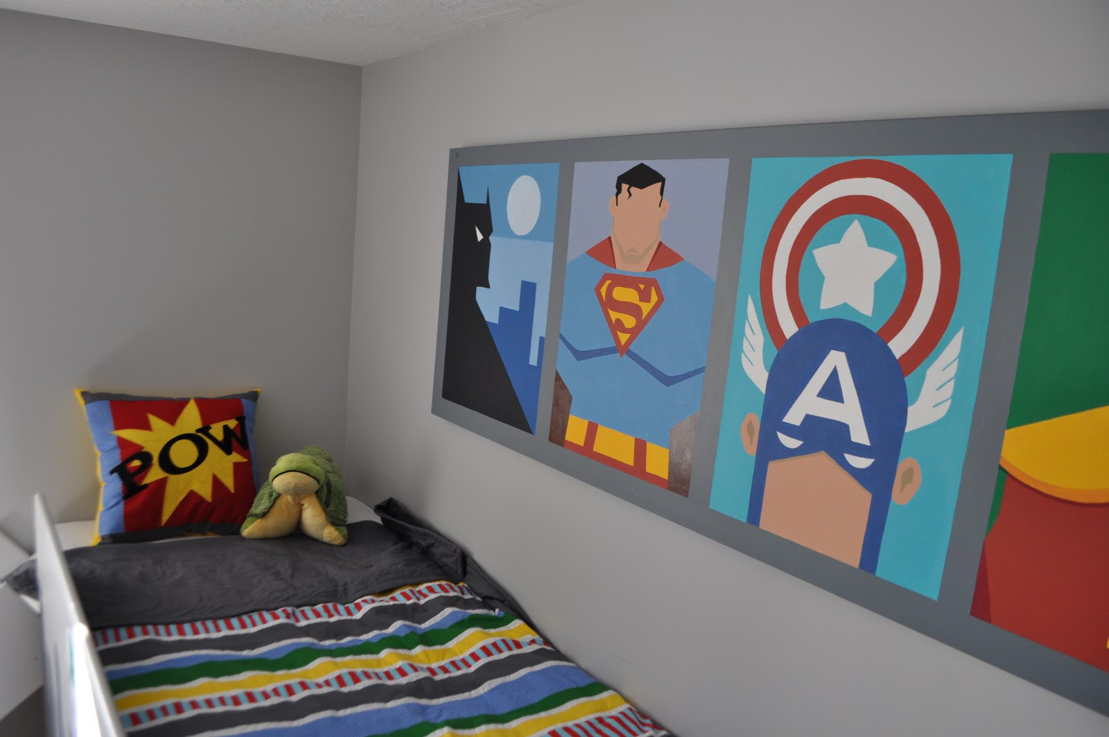 themed-rooms-funny-grey-superhero-themed-kids-bedroom-decorating-with-loft-bed-and-colorful-striped-bedding-stylish-superhero-kids-room-design-inspirations