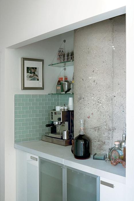 jackson-residence-condo-interior-lime-stone-bar