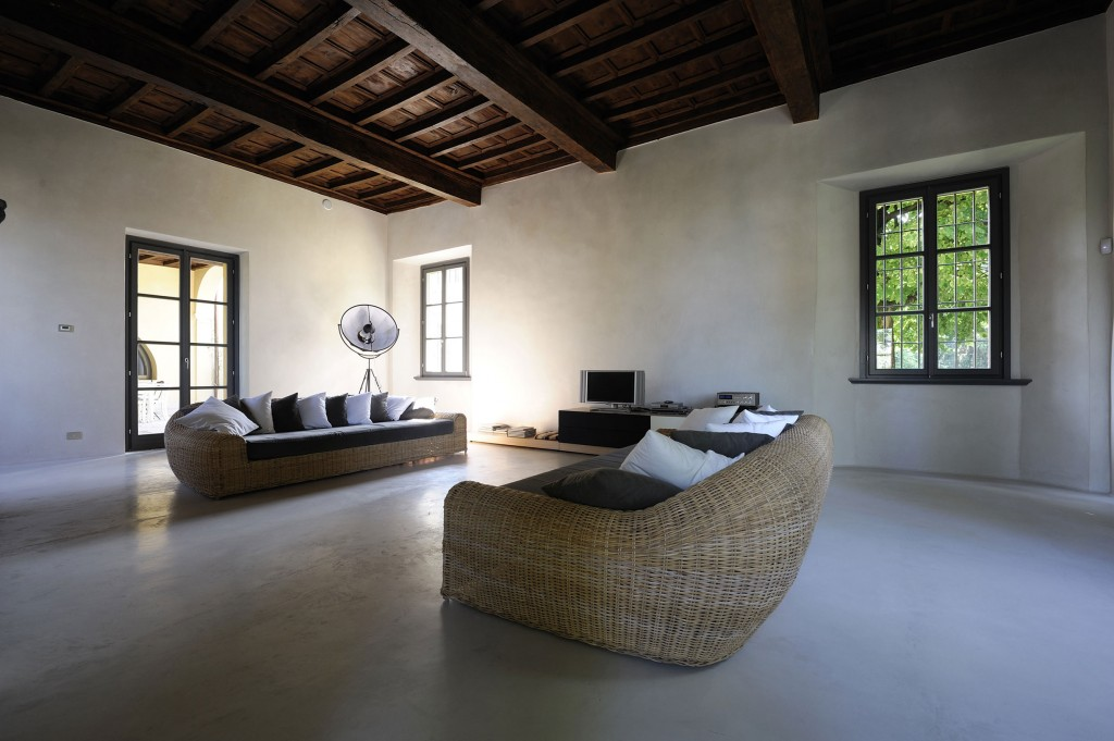 ideas-inspiration-nice-looking-faux-rattan-living-sofas-as-interior-minimalist-houses-furniture-with-wooden-plafond-as-nature-style-decors-10-fabulous-minimalist-houses-interior-and-exterior-photos-c