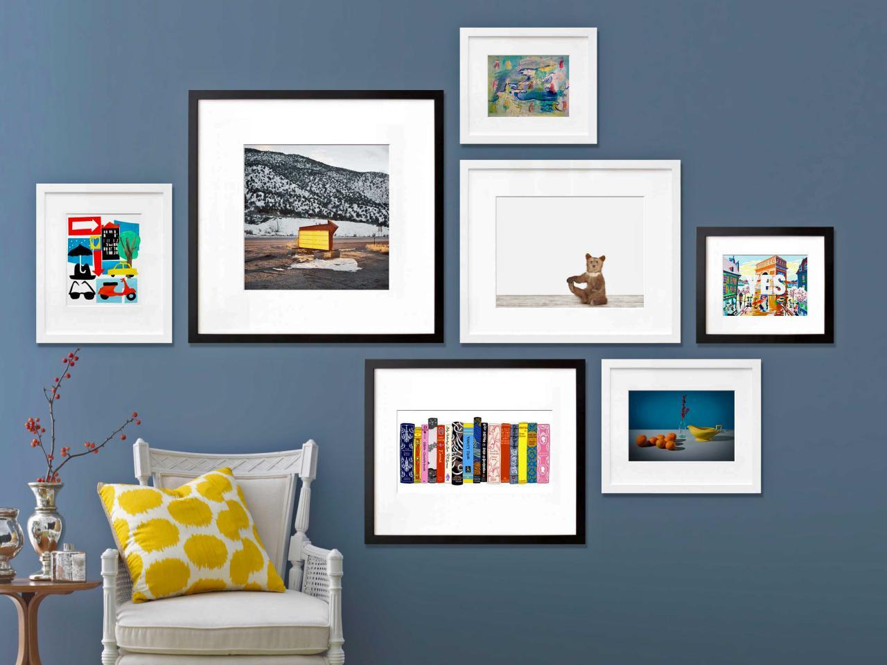 Original_Jeanine-Hays-Gallery-Wall-3-20x200-Blue-Wall-White-Frames_s4x3.jpg.rend.hgtvcom.1280.960