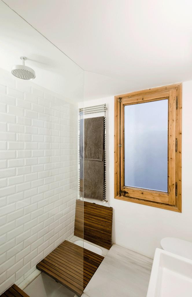 barcelona_flat_bathroom