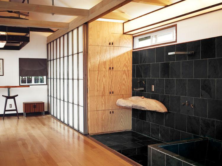 hollywood-cabin-interior