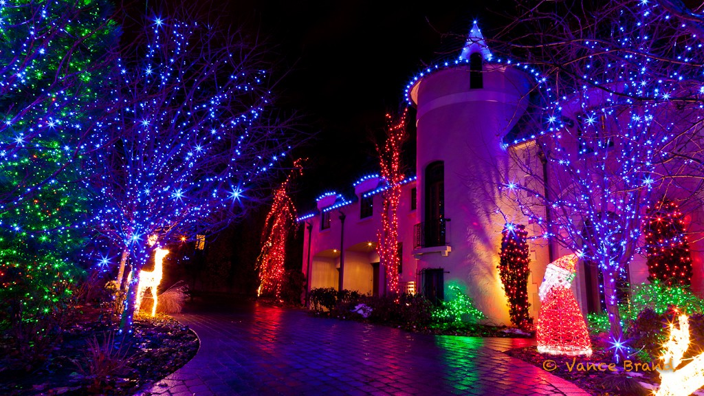 LED-Christmas-lights-adorn-this-house-in-a-beautiful-display