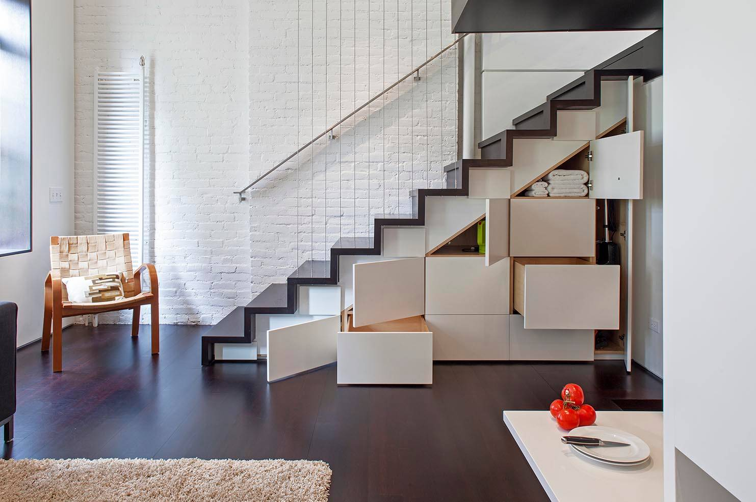 Staircase-with-Storage-Space-Space-Ideas-Modern-Architecture