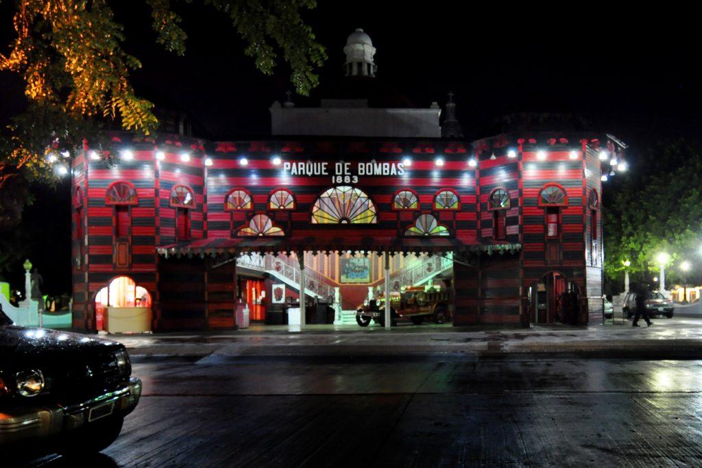 parque_de_bombas_ponce_puerto_rico