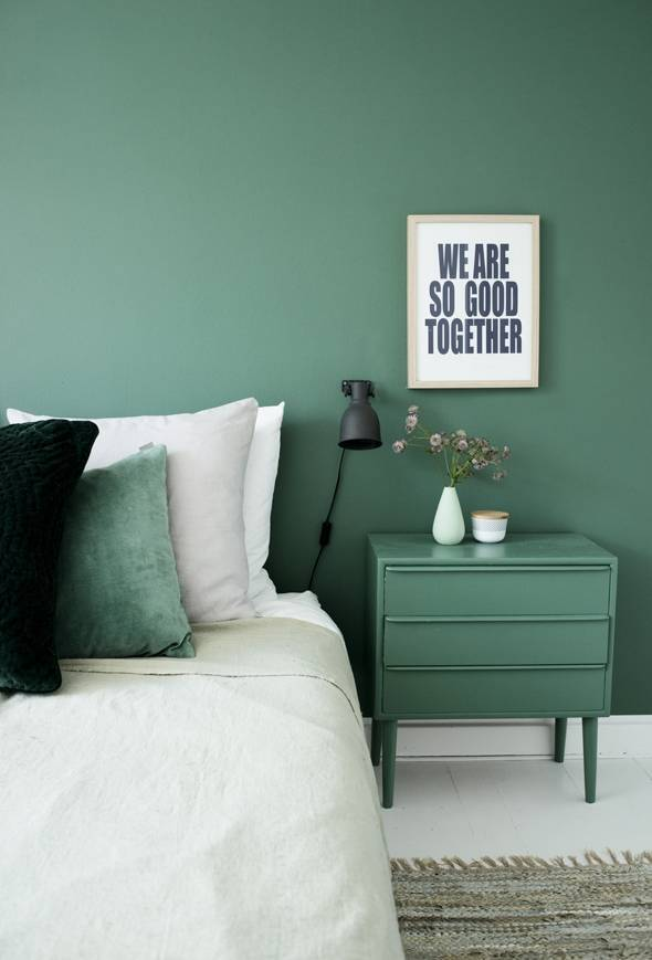 the-best-paint-colors-for-small-rooms-best-paint-colors-for-small-rooms-green-bedroom-571e41ffa45f30b81220d00b-w1000_h1000