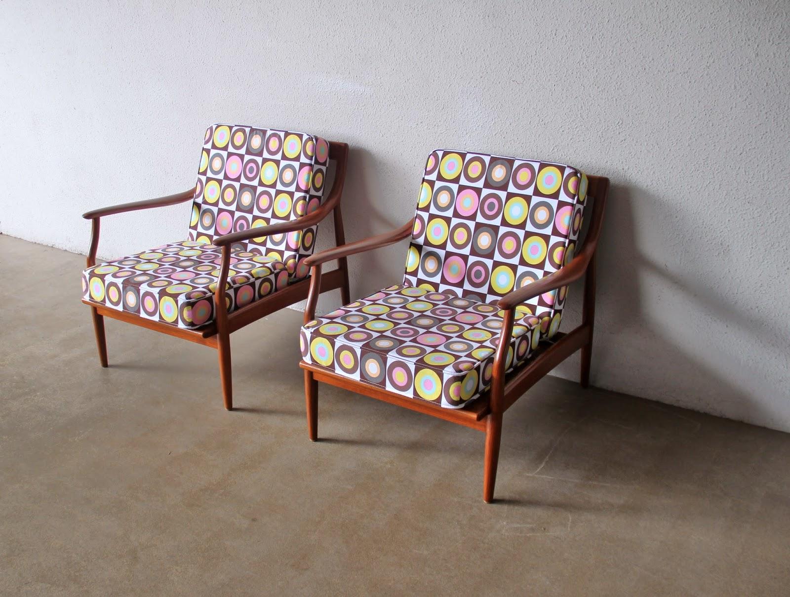 armchair in etro fabric circle