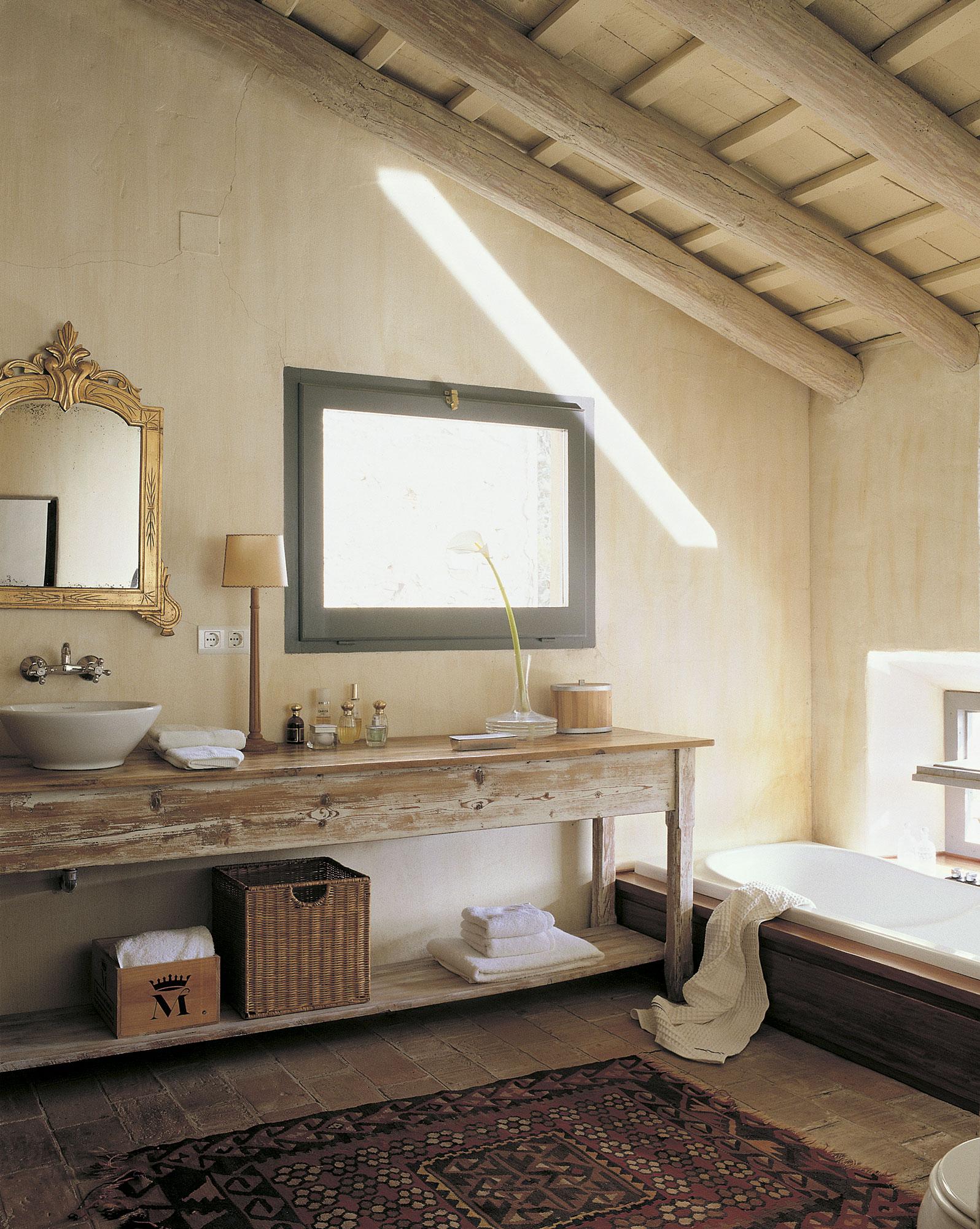 bano-rustico-con-mueble-de-almoneda_318c95b6