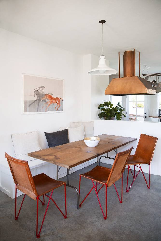 chay-wike-natural-beauty-brown-dining-room-52278d8a9ac35f19677420fd-w1000_h1000