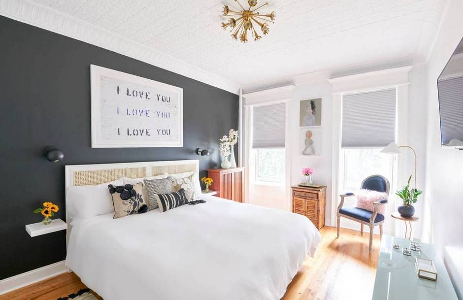 keep-your-eye-on-the-details-in-this-park-slope-palace-black-and-white-bedroom-1467303676-5775387ff4da36ab6ef3d142-w1000_h609
