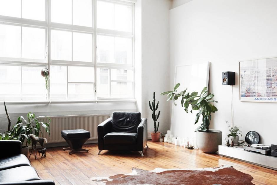 australia-s-minimalist-moment-white-living-room-1446763900-563bdd4f84cc6e023ab96d68-w940_h627