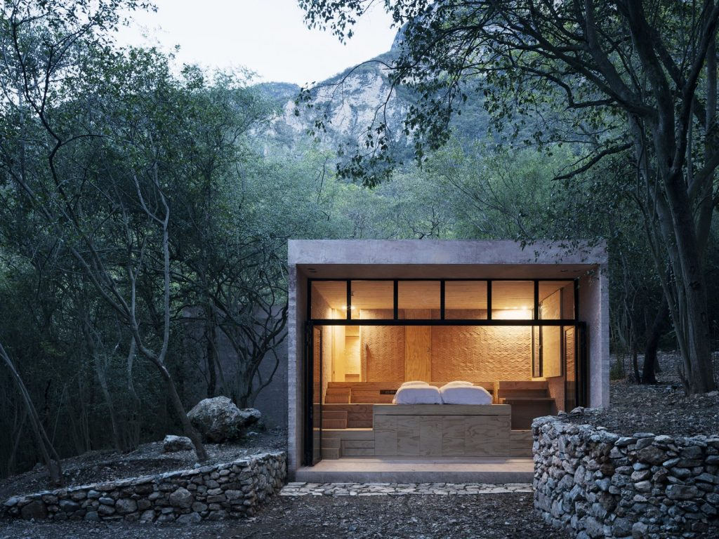 the-raised-bed-platform-create-an-interesting-stepped-topography-in-the-bedroom